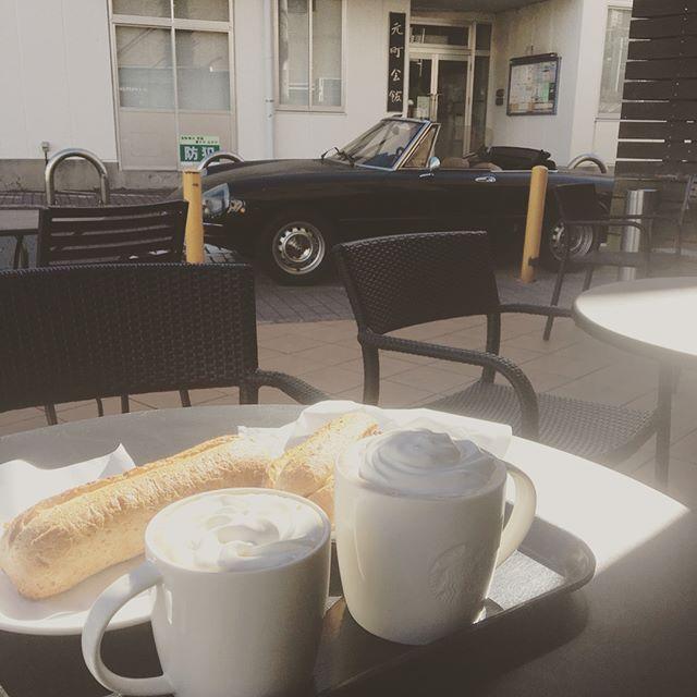 朝ドライブ&朝ごはんでエネルギーチャージ^ ^さーて、日曜日。頑張りますか!#朝ドライブ #アルファロメオ #アルフェスタ #スタバ #葉山でモーニング #デノアラジン #二階店舗 #来週から寂しい